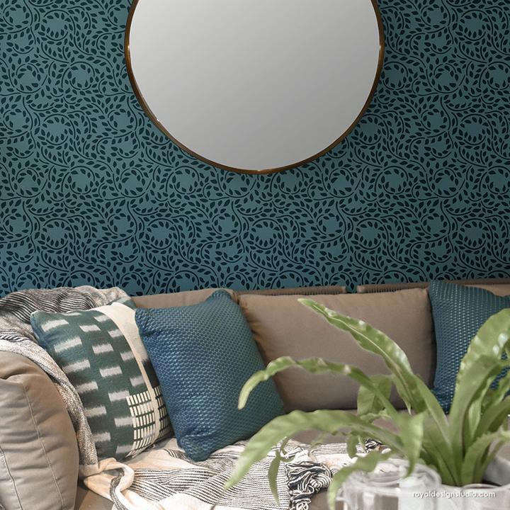 Декор стены с помощью многоразового трафарета листья фото